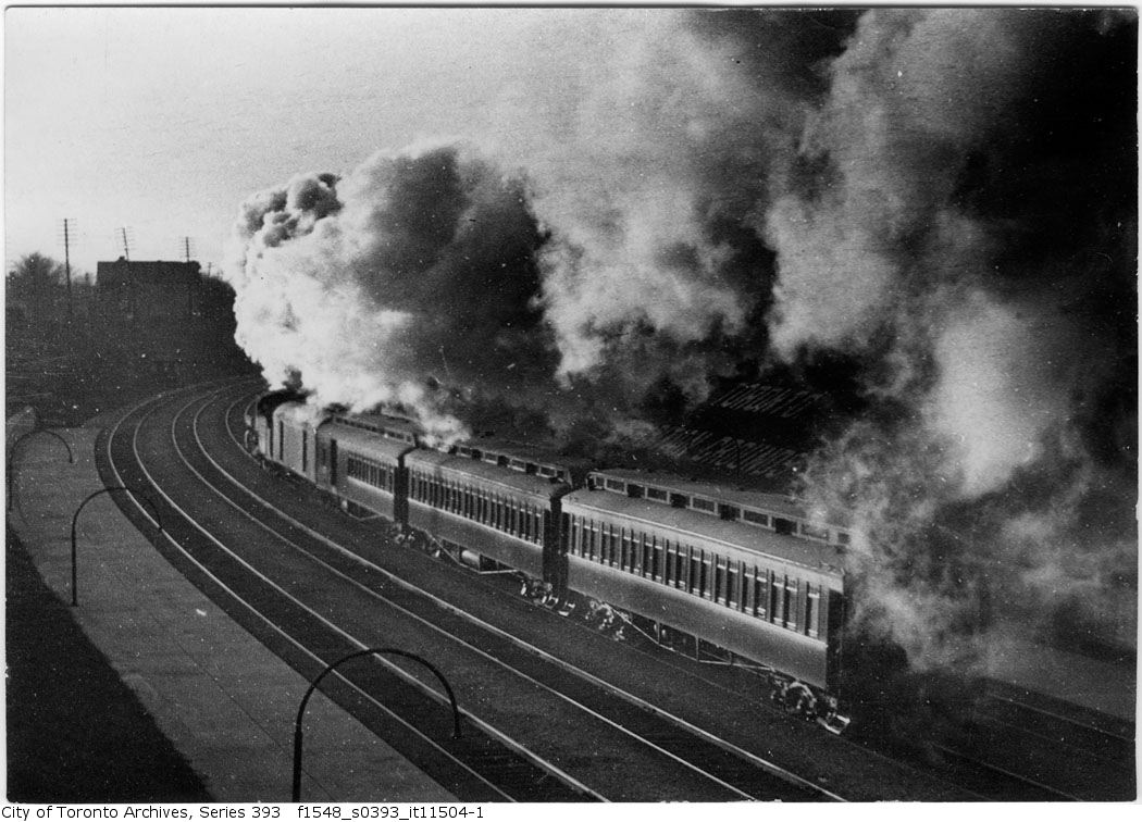 Train belching smoke, west of Dufferin Street - 1914