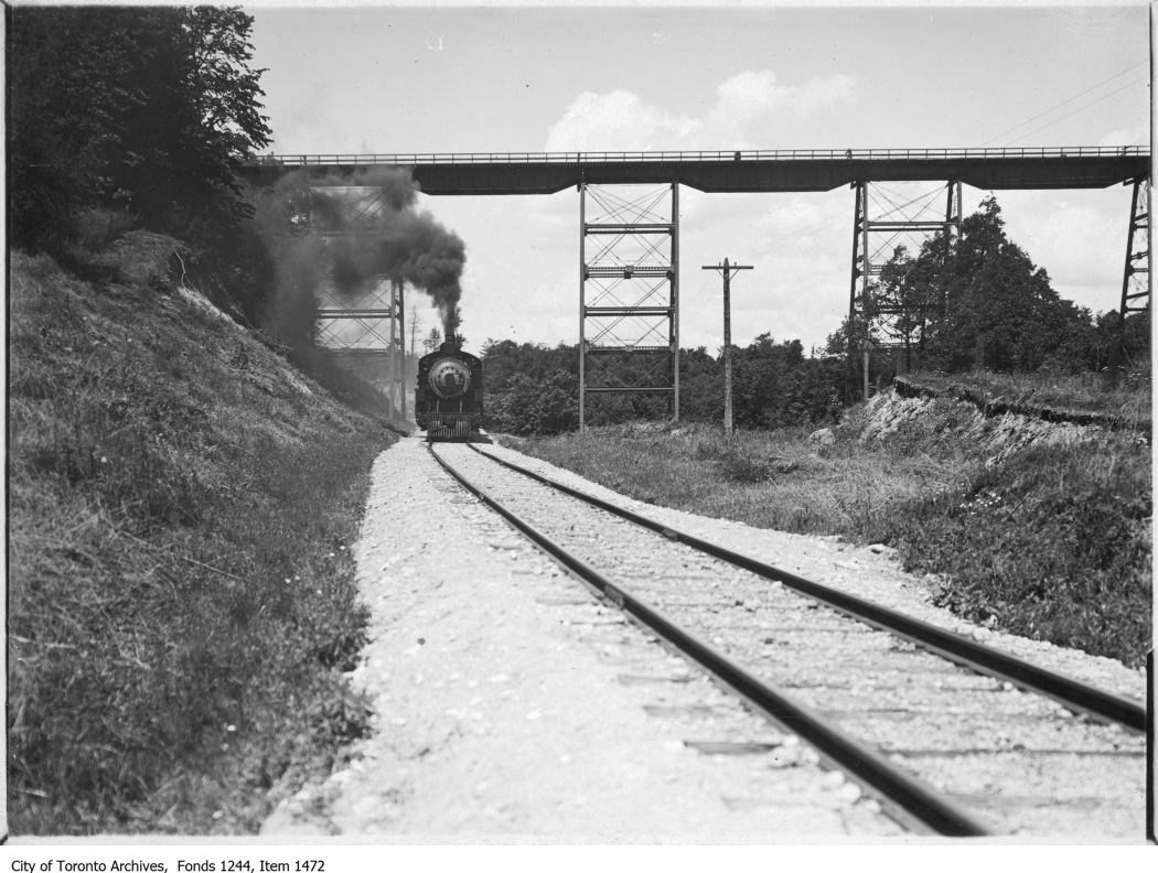 Train in Don Valley - 1910