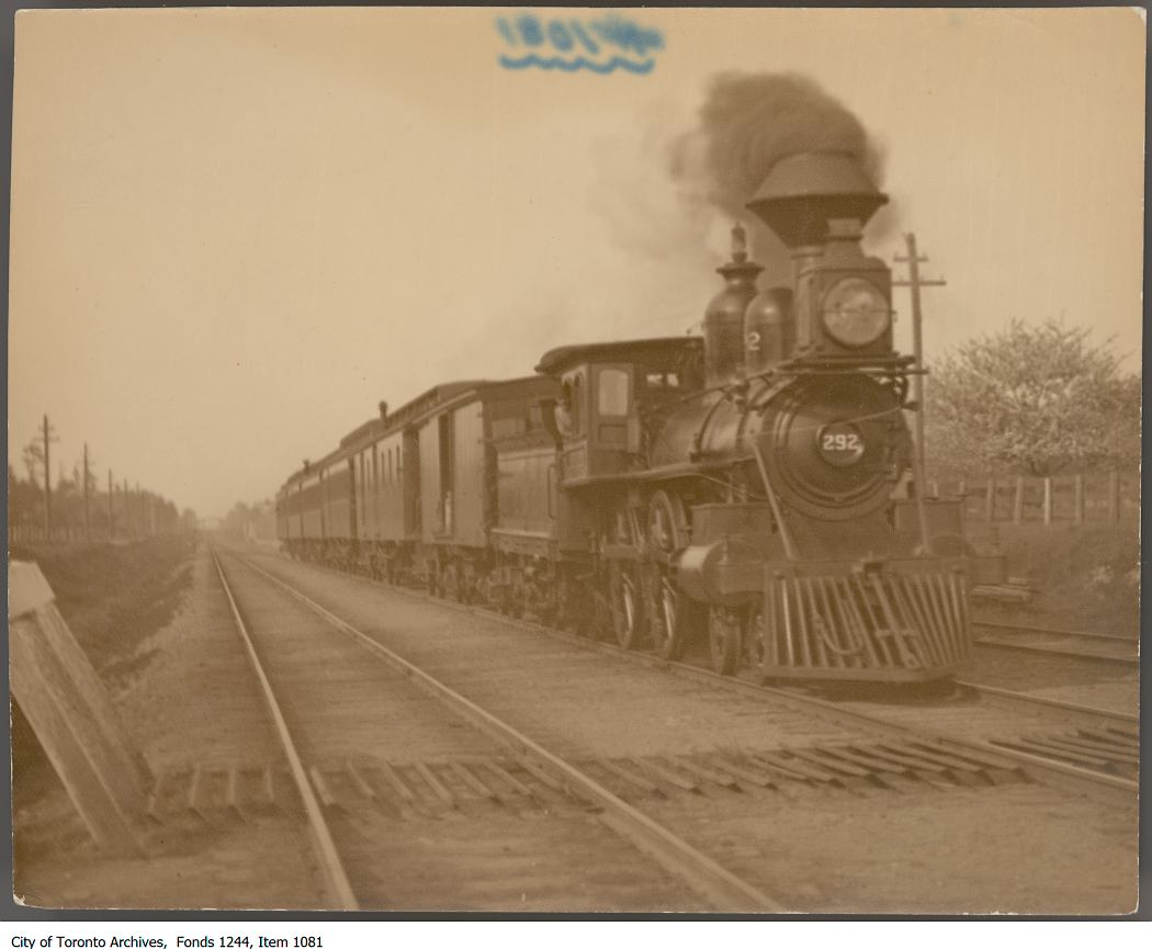 Wide-track train, Clarkson - 1906?