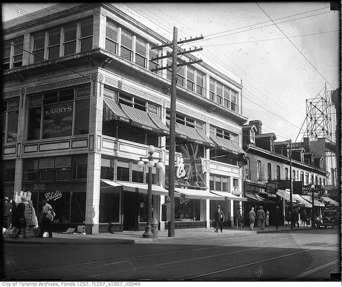 Yonge Street near Wilton Square - Royal Restaurant on far right - 193?