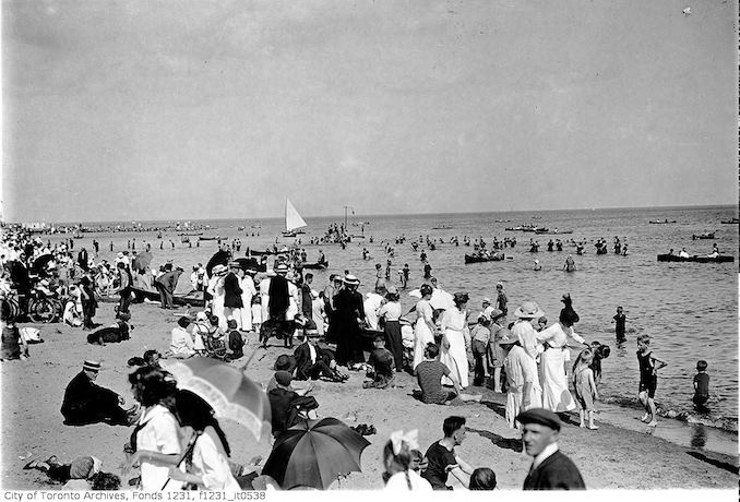 1915 - Kew Beach