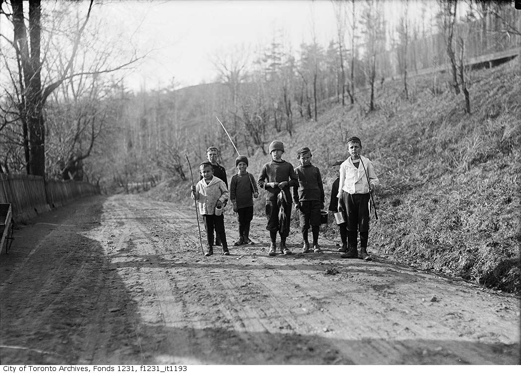 1916 - Don Valley, boys returning from fishing - Vintage Fishing Photographs