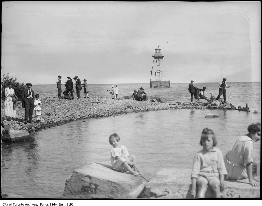 1920 - Port Credit beach and lighthouse - Vintage Fishing Photographs