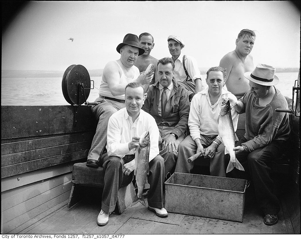1930 - 1950 - Group on fishing boat - Vintage Fishing Photographs