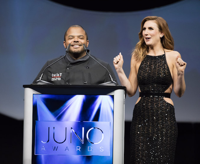 Roger Mooking and host Jessi Cruickshank - Photo: CARAS/iPhoto - 2016 Juno Award winners