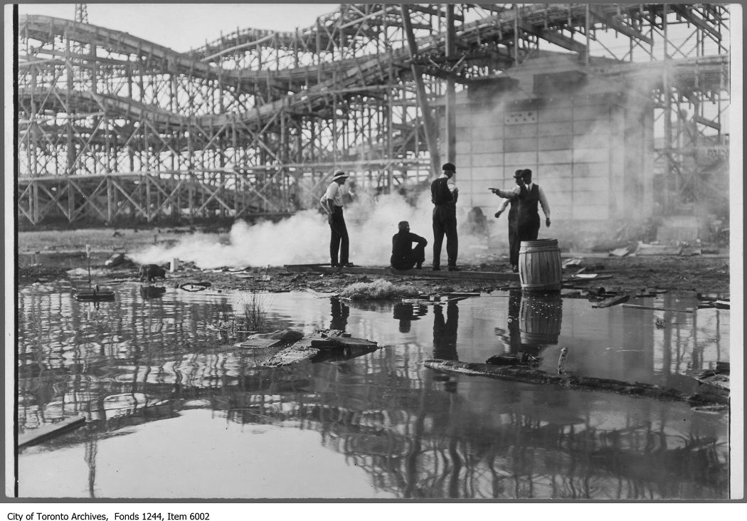 1907 - Island constables catch a man lighting a fire against the by-laws, Hanlan's Point