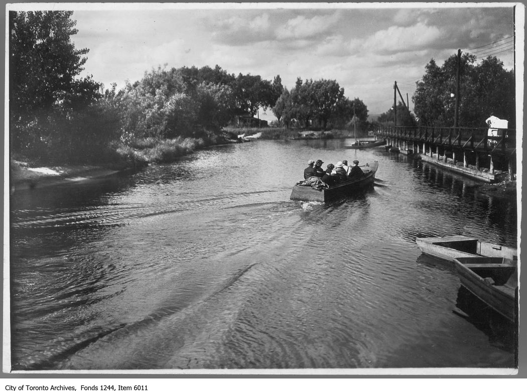 1910 - Long Pond shore, Toronto Island
