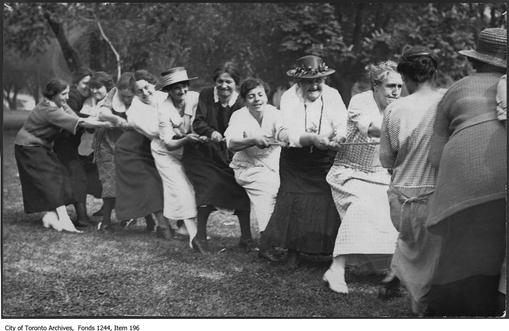 1920? - Grannies' tug-of-war, Centre Island