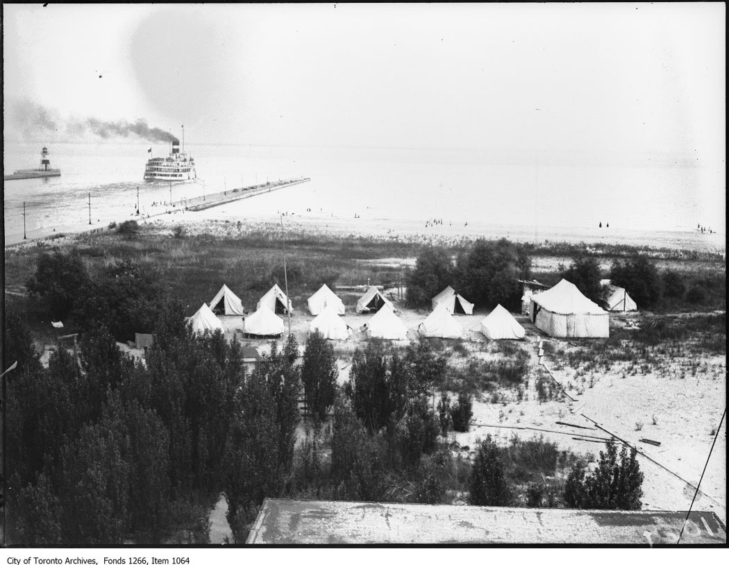 1923 - Ward's Island, tent colony, Eastern Gap & steamer