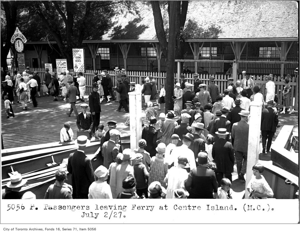 1927 - Passengers leaving ferry, at Centre Island, (Motor Coach Department)
