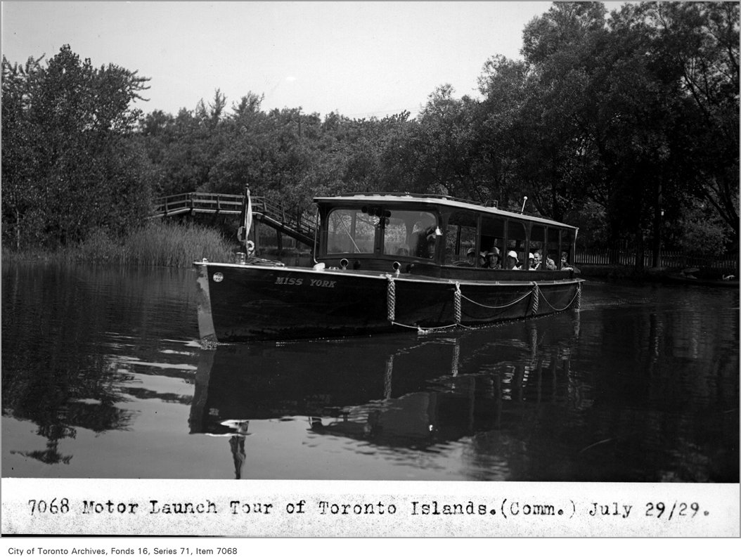 1929 - Motor launch tour of Toronto Island, (Commercial Department)