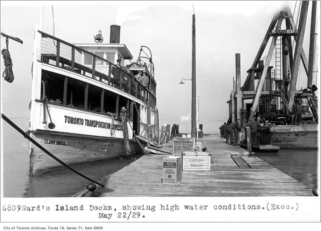 1929 - Ward's Island docks, showing high water conditions