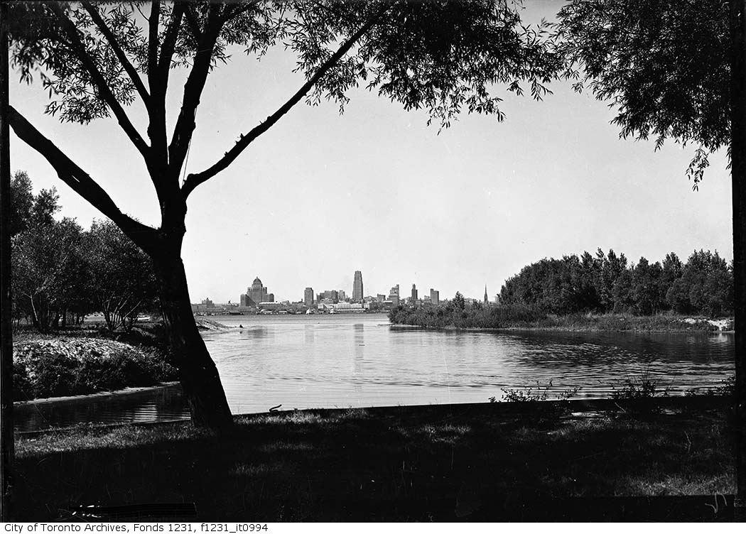 1936 - Toronto from Ward's Island