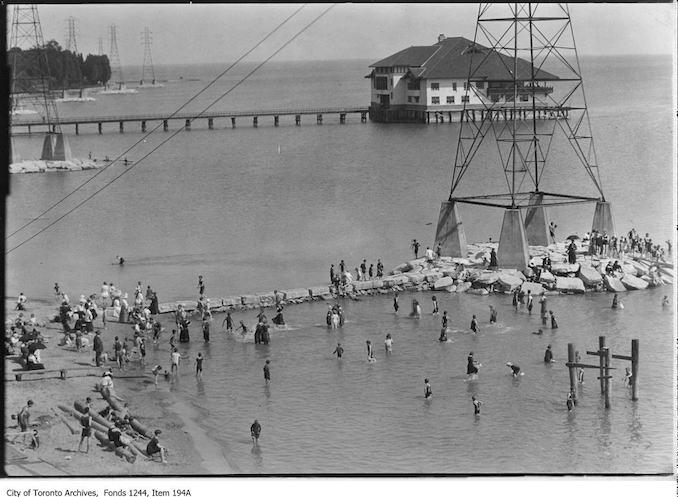 1900? - Bathers, Sunnyside Beach