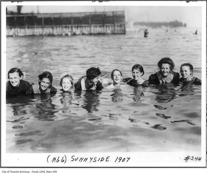 1907 - Bathers, Sunnyside vintage swimming