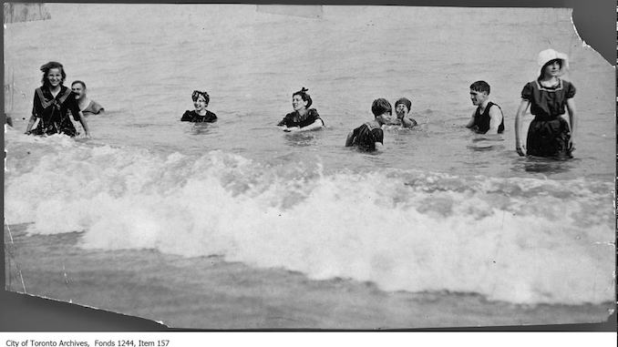 1908 - Group of swimmers at Kew Beach