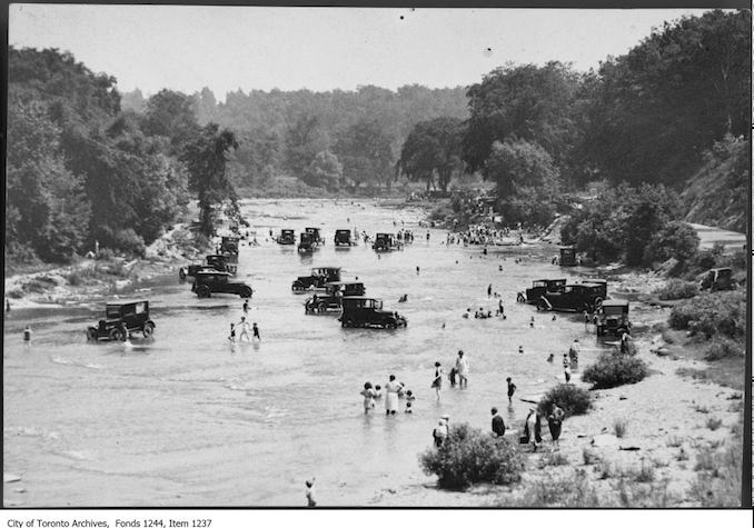 1922 - Bathers and cars in Humber River