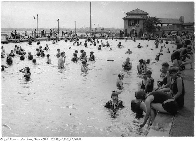 1926 - Sunnyside - heated swimming pool