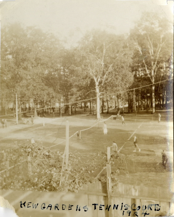 1924 - Kew Gardens, Queen St. E., s. side, between Waverley Rd. & Lee Ave