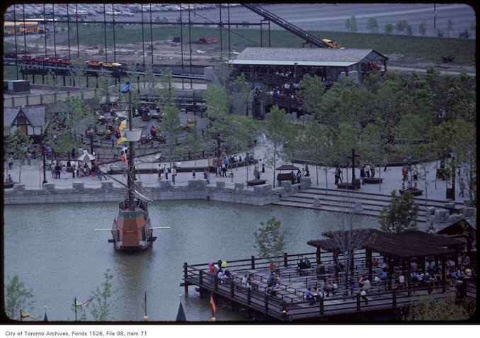 1981 - june 8 - View of Dragon boat sailing in pond at Canada's Wonderland