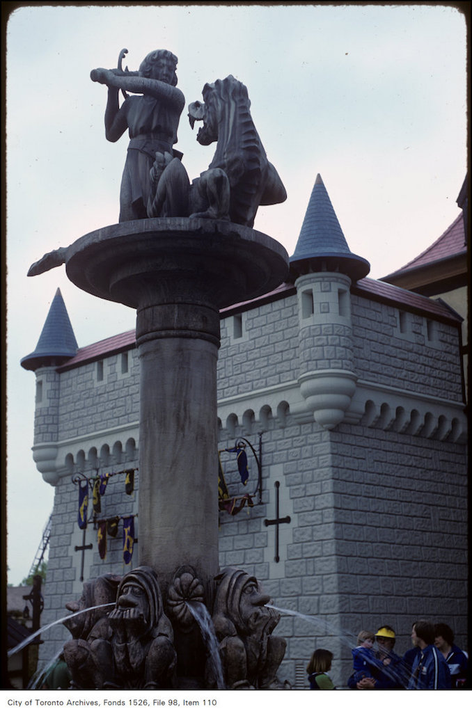 1981 - june 8 - View of water fountain and sculpture in front of castle at Canada's Wonderland