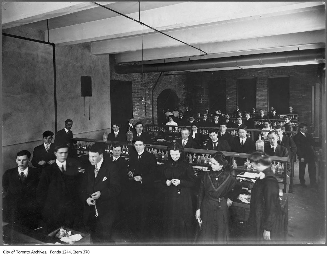 1908 - Chemistry class, Technical School