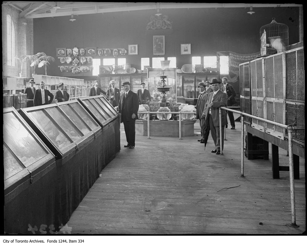 1909 - Displays at CNE Women's Building