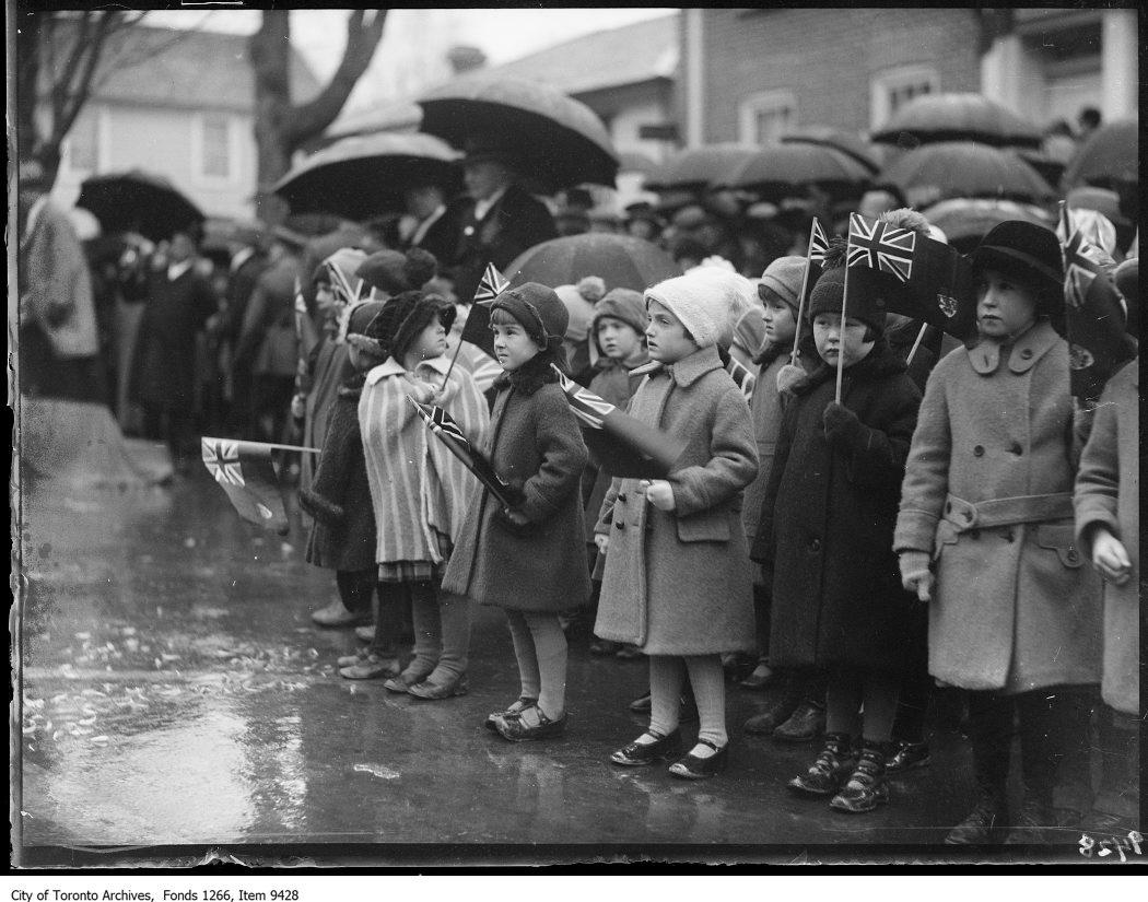 1926 - Aurora, group of school children