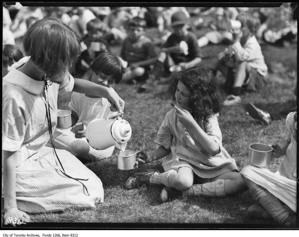 1926 - Victoria Park Forest School, serving milk to children