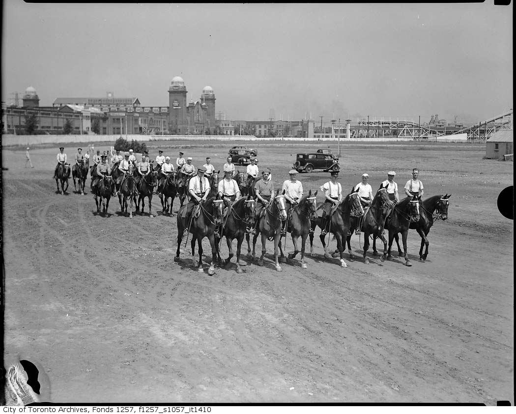 1939 - Police Games - Horse Parade