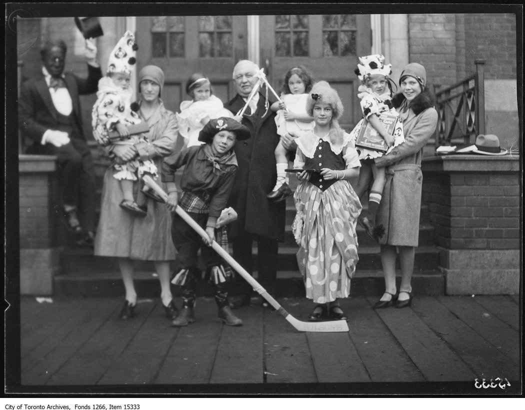 1928 - nov 3 - Davisville School, costume group
