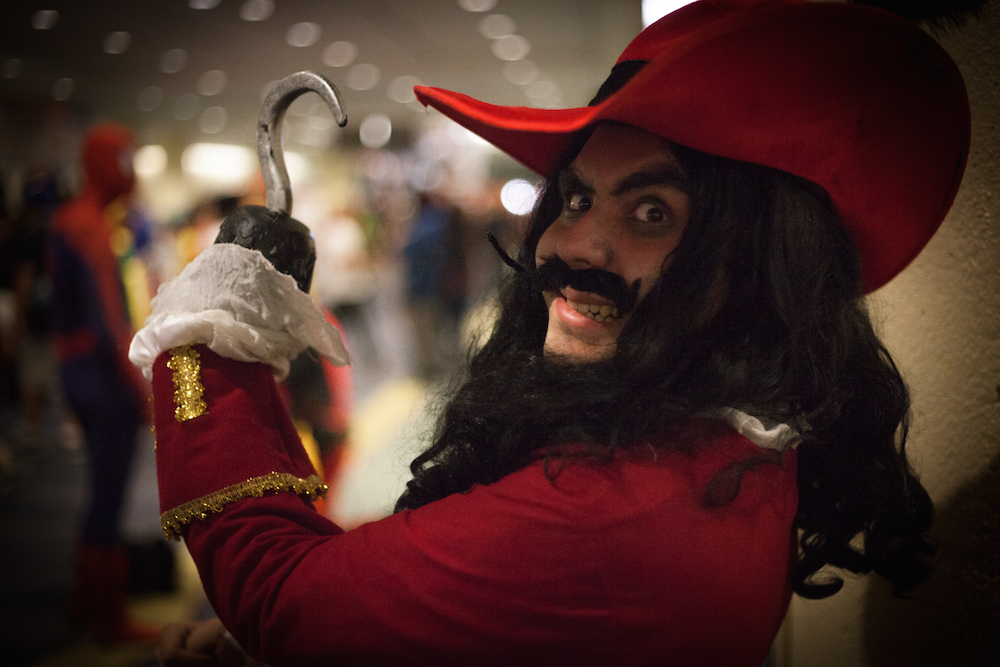 "Captain Hook from ""Hook"" cosplay photographs"