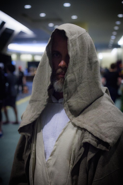 Luke Skywalker from The Force Awakens cosplay photographs