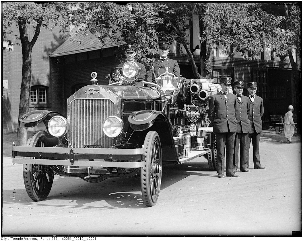 1928 - Pumper No. 17 at CNE Firehall