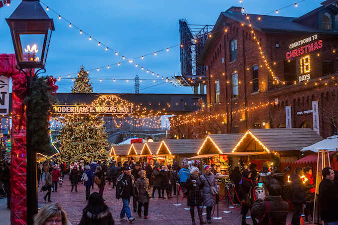 Distillery District, Holiday Markets