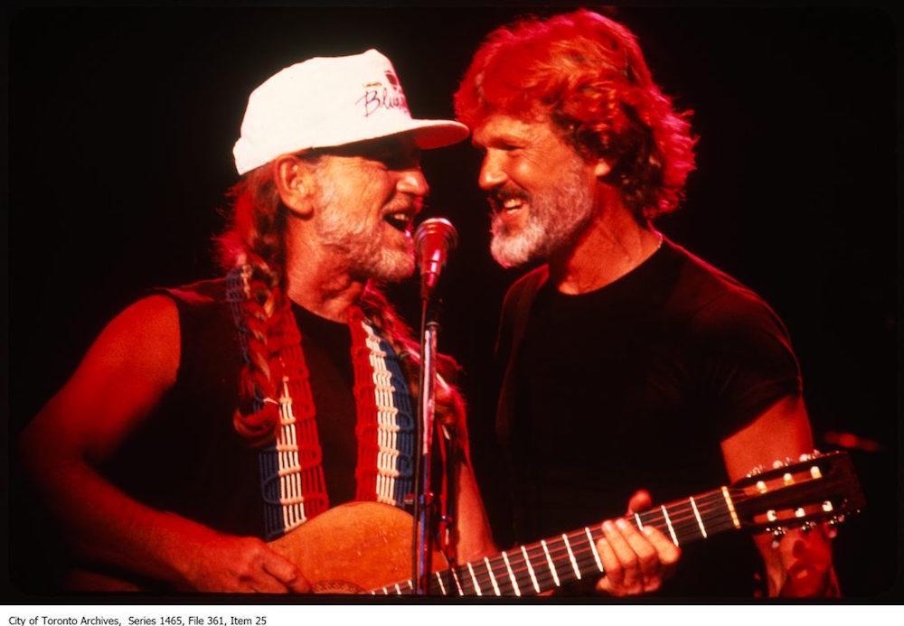Willie Nelson and Kris Kristofferson at the Forum