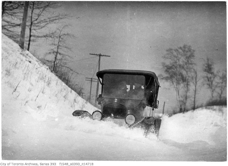 1917 - Car driving in snow