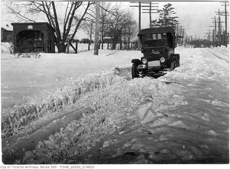 1918 - Auto - snow bound Toronto to Hamilton highway
