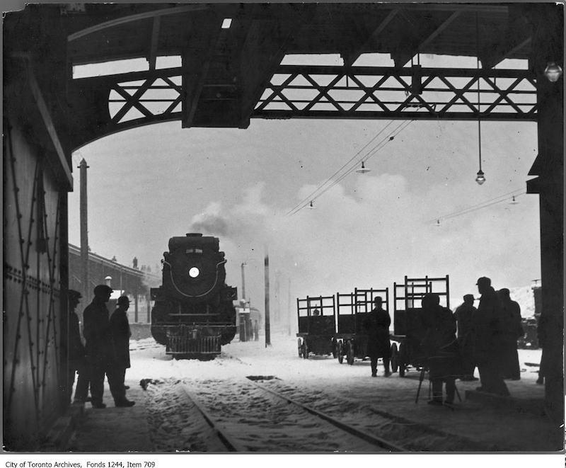 1930 - Train entering Union Station