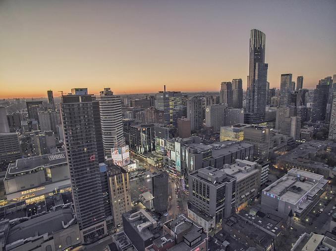 Oscar Flores Toronto Skyline - drone video