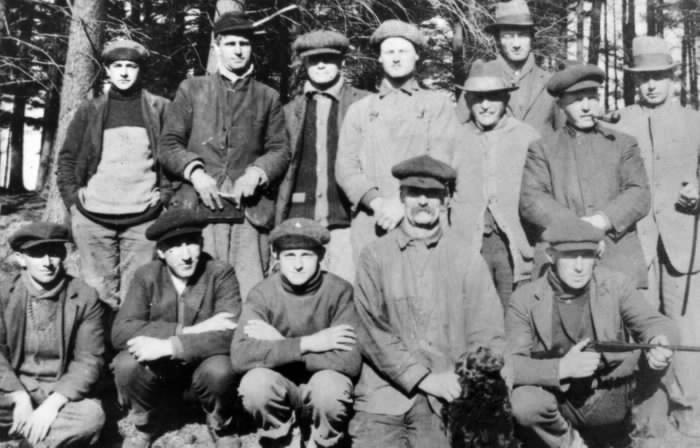 1910? - Downsview Gun Club at shooting range in Wardlaw's Bush - Hunting Photographs