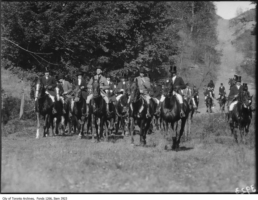 1924 - October 15 - Prince of Wales, close-up, hunting party