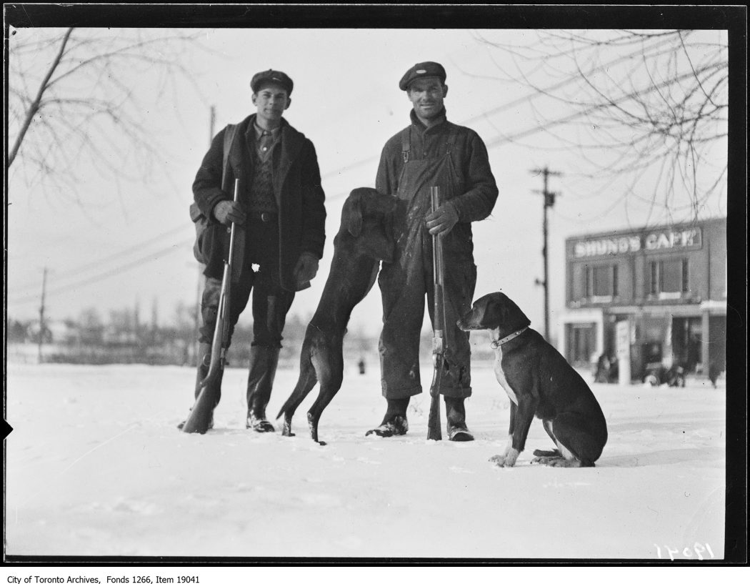 1930 - January 18 - Clarkson rabbit hunt, hunters with hounds