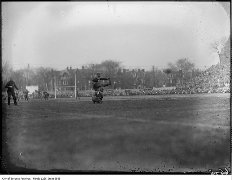 1925 - Varsity-Queens Rugby, Balstone, Q, converting