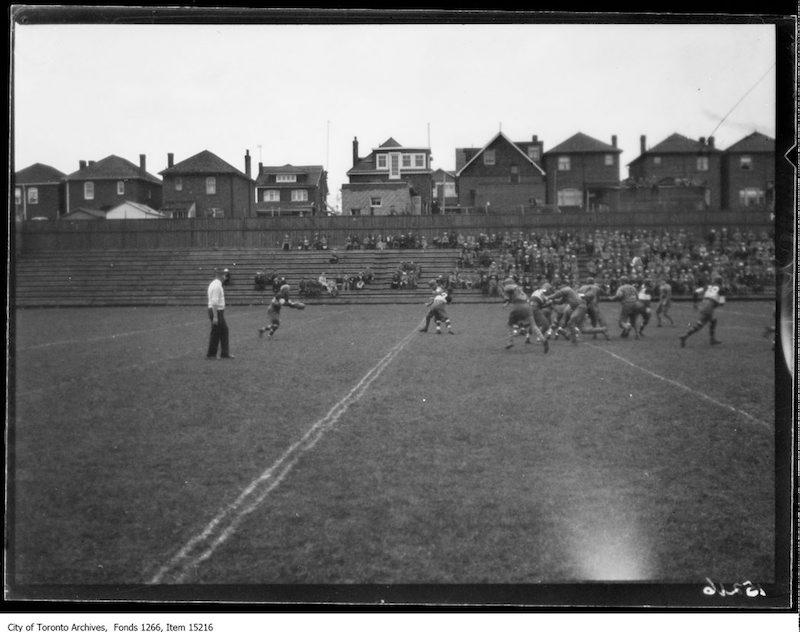 1926 - Balmy Beach, Camp Borden rugby, action