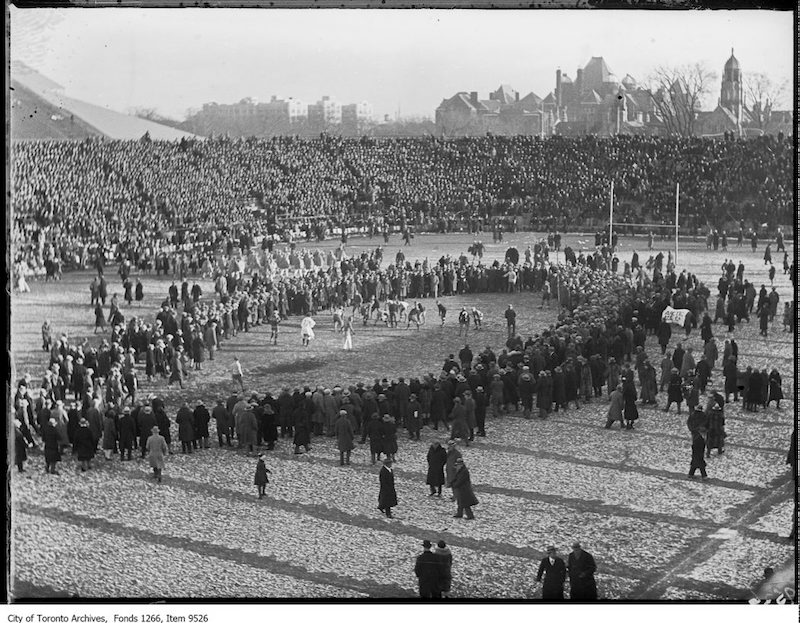 1926 - Varsity-Queen's Rugby, crowd on field at half-time
