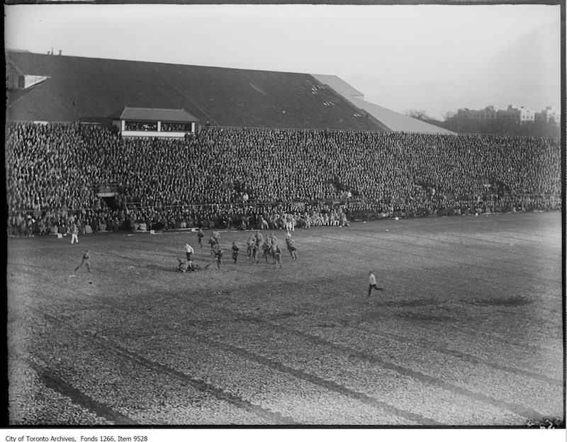 1926 - Varsity-Queen's Rugby, general scene of play
