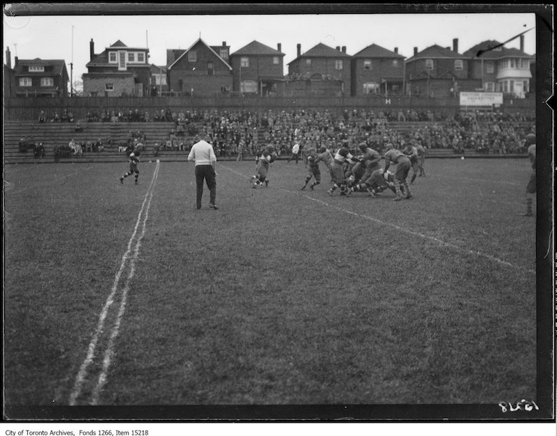 1928 - Balmy Beach, Camp Borden rugby, action copy
