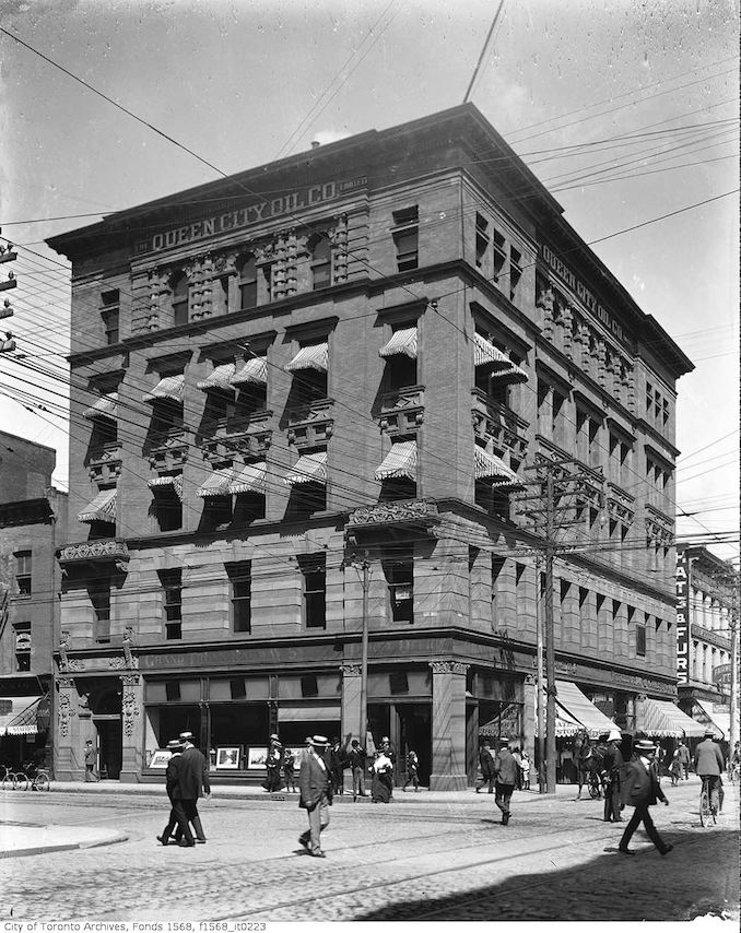 1900 - Lollar Building, Queen City Oil Co. north-west corner of Yonge Street and King Street