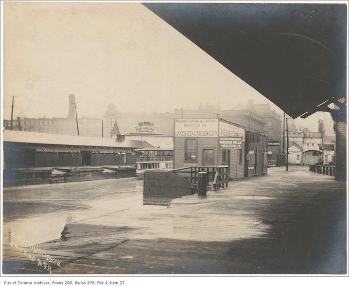 1904 - Yonge Street wharf